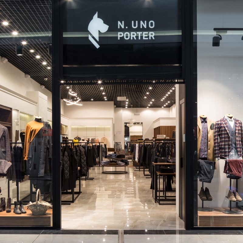 N. UNO PORTER_Lavina_mall_Nova-light